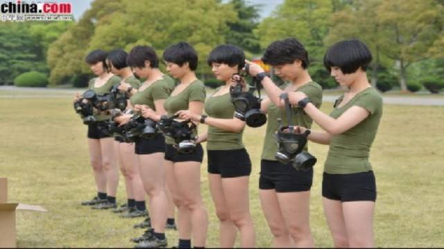 female-soldiers-pla-2